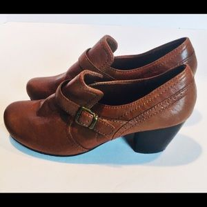 Stacked heel bare traps ankle booties